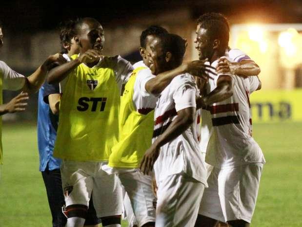 Rocha (contra),Tiago,João Schmidt,Adelino (foto) eFábio Lima marcaram os gols tricolores contra o União-MT Foto: Bê Caviquioli / Futura Press