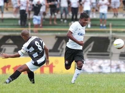 Time de Piracicaba marcou duas vezes em falhas do goleiro Caíque, mas Corinthians buscou o 2 a 2 Foto: Célio Messias / Agência Lance