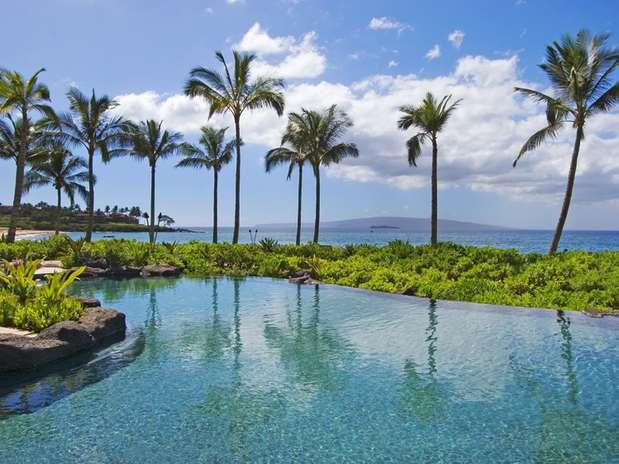 Wailea Beach Villas, Maui, Havaí: propriedade num lindo trecho do litoral de Maui, no Havaí, o resort Wailea Beach Villas tem acesso ao principal shopping de luxo da ilha, o The Shops at Wailea. Mas o verdadeiro charme do resort encontra-se nas suas belas vistas sobre o Pacífico, obtidas em suas vilas e suítes Foto: Divulgação