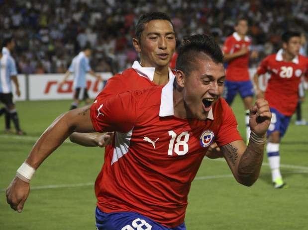 Castillo comemora o gol que deu a vitória ao time chileno Foto: AP