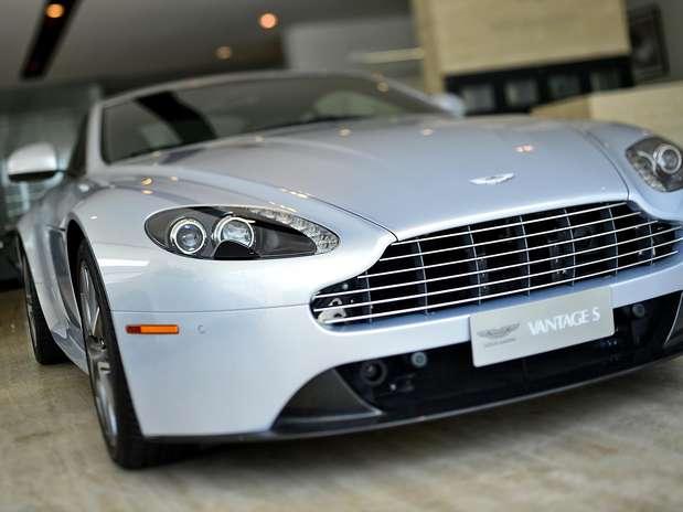 Aston Martin comercializou apenas 12 unidades, ante 34 em 2011 Foto: Fernando Borges / Terra