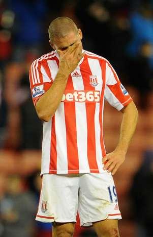 Jonathan Walters, do Stoke City, em dia de atuação desastrosa Foto: Getty Images