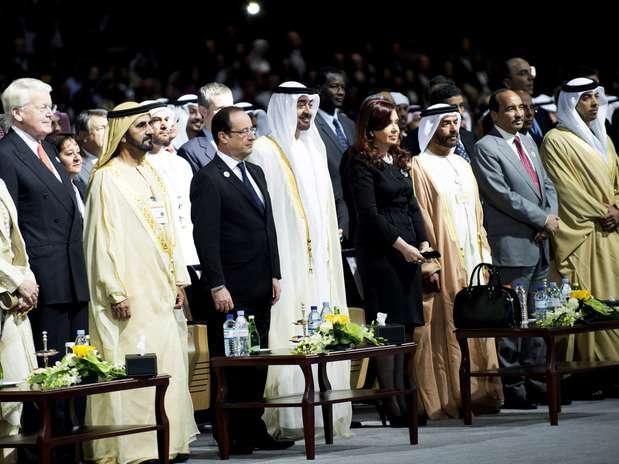 Hollande participou da cerimônia de abertura da Cúpula Mundial de Energia do Futuro em Abu Dhabi Foto: AP