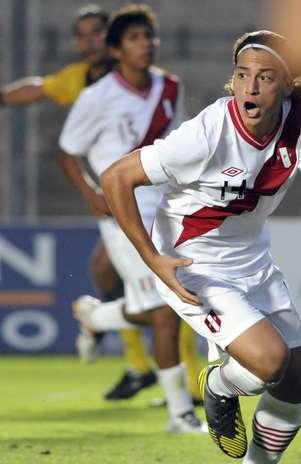 Promessa do Real Madrid, Cristian Benavente sofreu pênalti e cobrou com perfeição Foto: AP