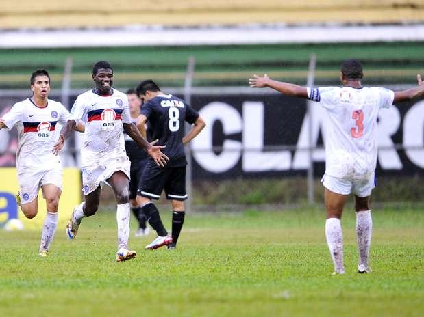 Feijão marcou ainda no primeiro tempo e assegurou vitória do Bahia, que busca título inédito Foto: Hélio Suenaga / Gazeta Press