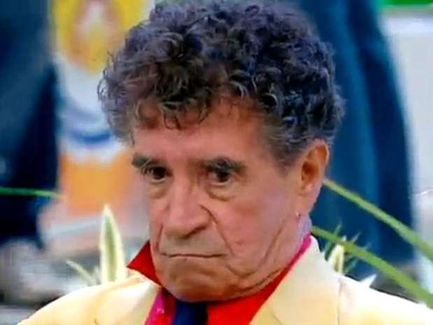 """Clayton Silva ficou famoso com o bordão \""""Tô de Olho no Sinhô\"""" Foto: SBT / Reprodução"""