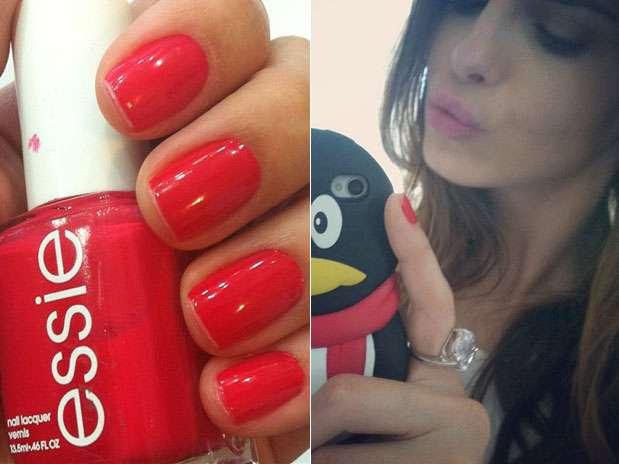 """Sthefany Brito também apostou em um esmalte vermelho. \""""Da semana\"""", escreveu  Foto: Instagram / Divulgação"""