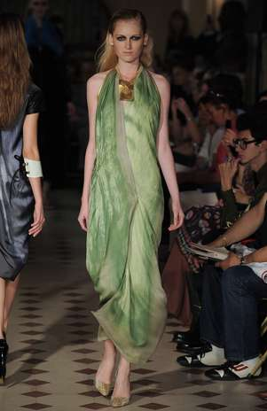 O brasileiro Atelier Gustavolins está na programação da semana de moda de alta-costura Foto: Getty Images
