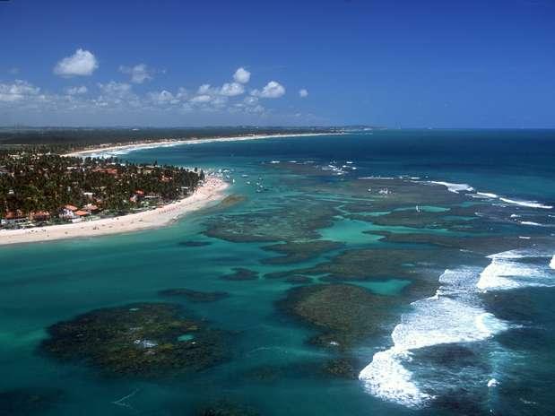 Porto de Galinhas é um dos destinos prediletos entre os turistas brasileiros na hora de escolher um lugar para curtir o sol Foto: Destino Pernambuco / Divulgação