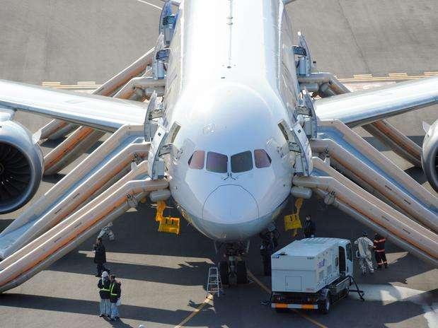 As investigações sobre as falhas dos aviões Boeing 787 Dreamliner se intensificam Foto: AP