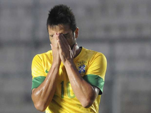 Brasil não era eliminado na primeira fase do Sul-Americano desde 1971 Foto: AP