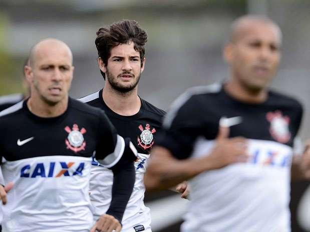 Ideia do Corinthians é que Pato esteja apto para estrear em fevereiro Foto: Ricardo Matsukawa / Terra