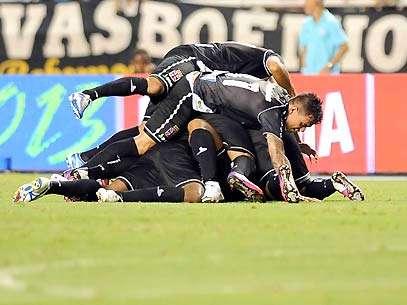 Dedé marcou o gol da vitória Foto: Daniel Ramalho/Terra