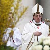 Papa: apenas a Igreja é capaz de interpretar as Escrituras Get?src=http%3A%2F%2Fimages.terra.com%2F2013%2F03%2F31%2Fvaticanomissapascoapaparts