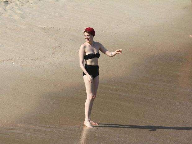 A cantora Florence Welch usou um modelo retrô em sua vinda ao Brasil Foto: AgNews