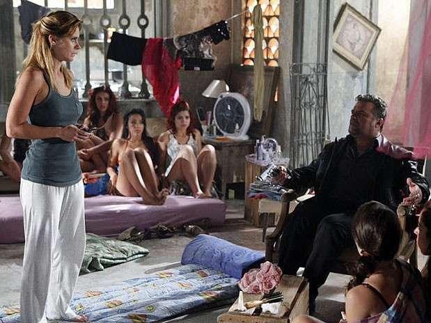 Antes da estreia da novela, Jéssica (Carolina Dieckmann) seria assassinada por volta do capítulo 20 Foto: TV Globo / Divulgação