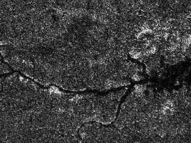 Ao contrário de água, rio em Titã tem hidrocarbonetos em estado líquido Foto: Divulgação