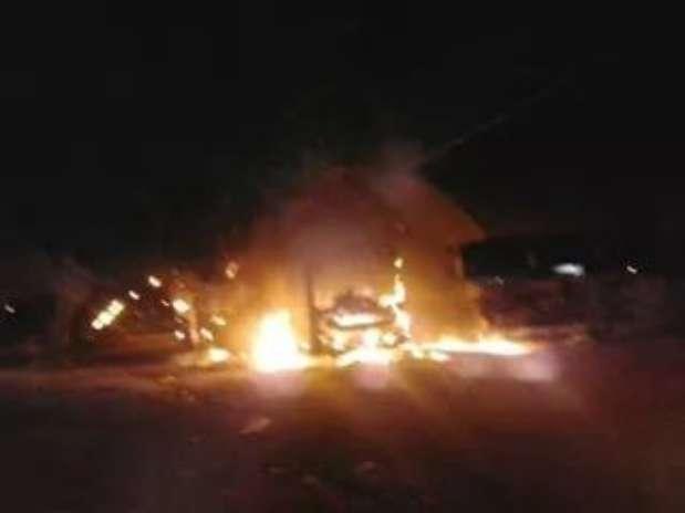 MT: polícia investiga organização após incêndio em ônibus