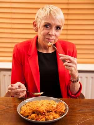 """""""É um trabalho de tempo integral"""", diz Julie sobre comer o dia inteiro Foto: The Grosby Group"""