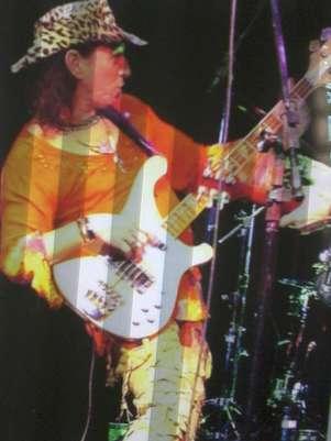 Mr. Ruffino, como era conhecido, morreu de câncer aos 60 anos. Ele era um dos músicos da cena 'Turma da Pompéia', nos anos 1970 Foto: Facebook / Reprodução