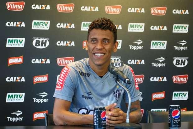 Fred fechou com o Cruzeiro, Rafael Moura trocou o Atlético-MG pelo Coelho, e Reinaldo Rueda pode deixar o Flamengo e treinar a seleção chilena Foto: Divulgação / LANCE!