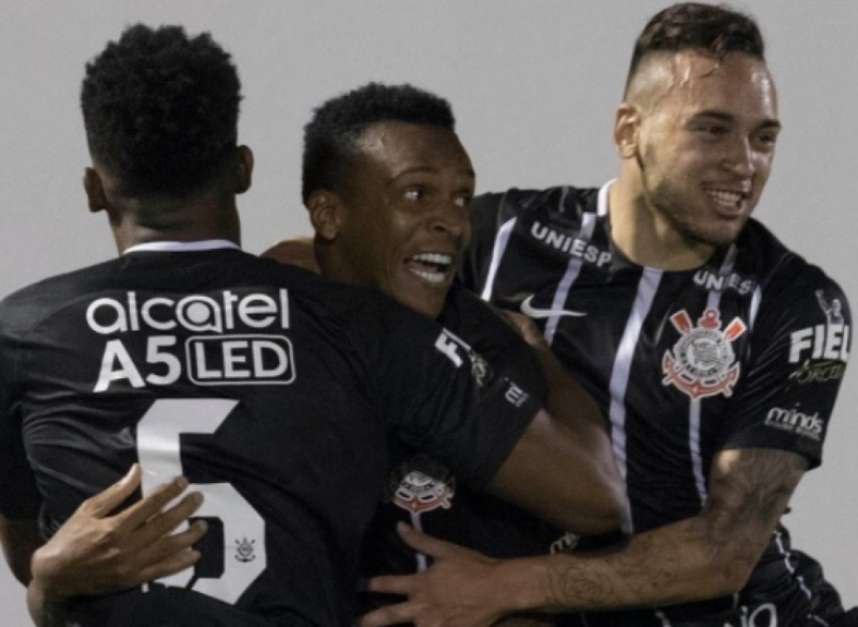 O Corinthians tem 83% de chances de ser campeão, mesmo após a derrota para o lanterna Atlético-GO. Já a vaga na Libertadores está 99% encaminhada Foto: Divulgação/Corinthians / LANCE!