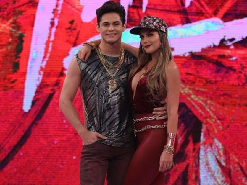 No 'Dança dos Famosos', Lucas Veloso garantiu que o beijo na bailarina Nathália Melo foi técnico Foto: Divulgação, TV Globo / PurePeople