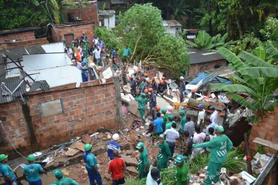 Prédio desaba e mata criança em Salvador, na Bahia Foto: Romildo de Jesus/Futura Press / Ansa